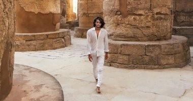 """""""السير وسط التاريخ"""".. هكذا وصف الفنان الفرنسى رينان باتشيه معبد الكرنك"""