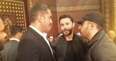 صور.. السقا وياسمين صبرى ودياب فى عزاء حماة أمير كرارة ووالدة أحمد صلاح حسنى