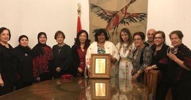 """وزيرة الثقافة تستقبل وفد نساء """"يا ستى"""" الفلسطينى"""