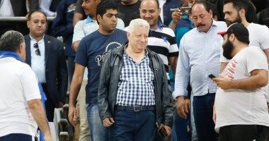مشادة كلامية بين مرتضى منصور ومسئولى الاتحاد بسبب الجمهور والتحكيم