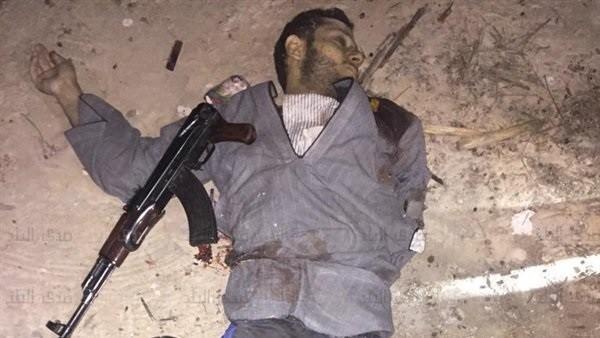 بحوزتهم 6 قنابل حارقة وهجومية.. كيف قضت الداخلية على عصابة الزونجى فى الشرقية..صور
