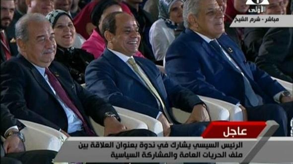 """طارق الخولي للرئيس السيسي:""""إحنا شباب آه بس صحتنا متساعدش"""".. فيديو"""