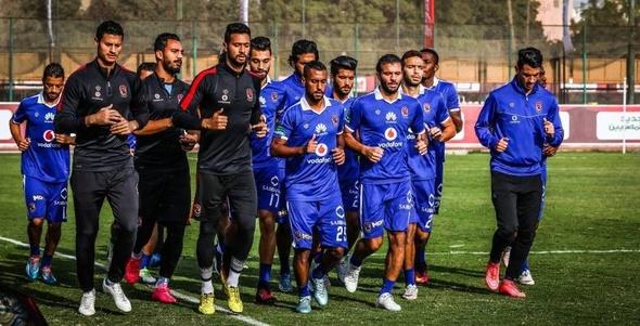 مران صباحي للاعبي الأهلي الغائبين عن مباراة الإنتاج الحربي