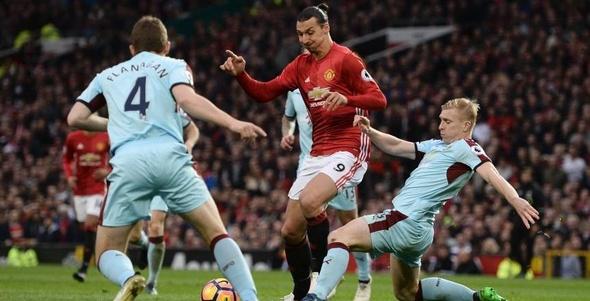مانشستر يونايتد يواصل السقوط بالتعادل السلبي أمام بيرنلي