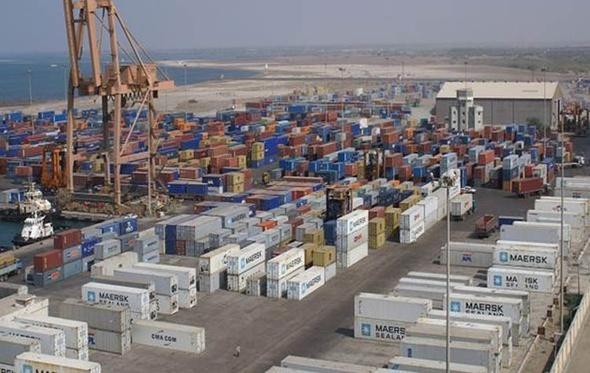 تداول 760 ألف طن بضائع بموانىء البحر الأحمر