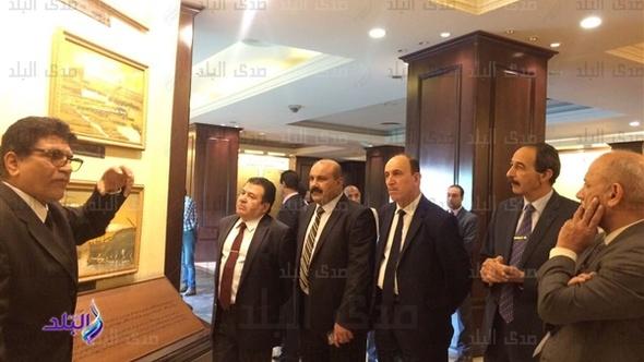 وزير النقل العراقي يزور ميناء الإسكندرية .. صور