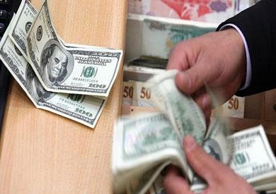 ضبط «صاحب مكتب ومدرس» لحيازتهما 5 مليون جنيه للإتجار فى «النقد الأجنبى»