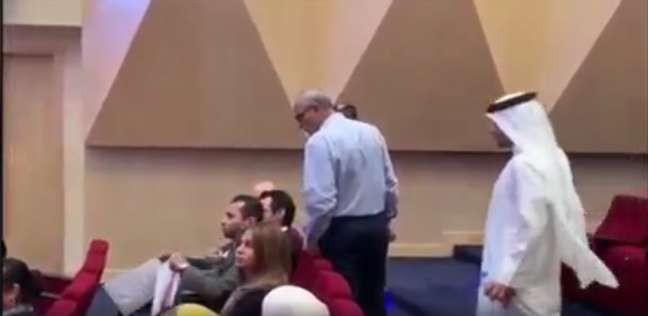 مشاجرة بين مستشار مصري وبحرينيين.. وأحد الحضور: الشيعة على راسك