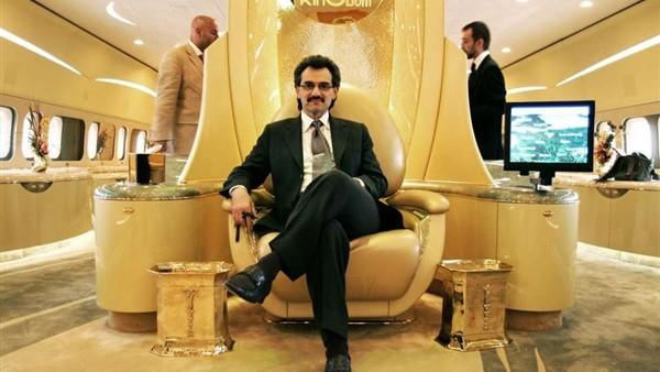 الوليد بن طلال يعلن صفقة بمليار ريال بين المملكة القابضة وروتانا وديزر