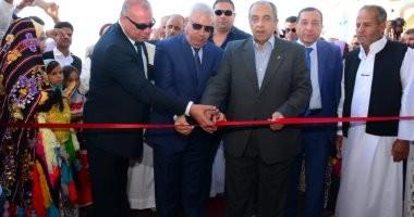وزير الزراعة يفتتح مصنعا لإنتاج التمور على مساحة 6 آلاف متر بواحة سيوة