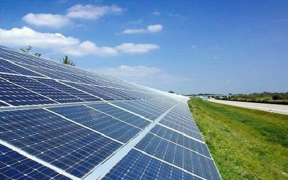 «سبارك» تنفذ 6 مشروعات طاقة شمسية بـ3 ملايين جنيه