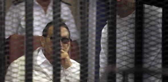 «النقض» تحاكم «مبارك» فى «قتل المتظاهرين» اليوم