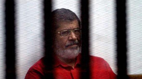 اليوم.. أولى جلسات طعن مرسي على سجنه 40 سنة في «التخابر مع قطر»