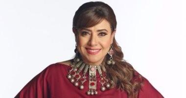 """نشوى مصطفى تدعو أهالى الشهداء لحضور عرض مسرحيتها """"سيلفى مع الموت"""""""