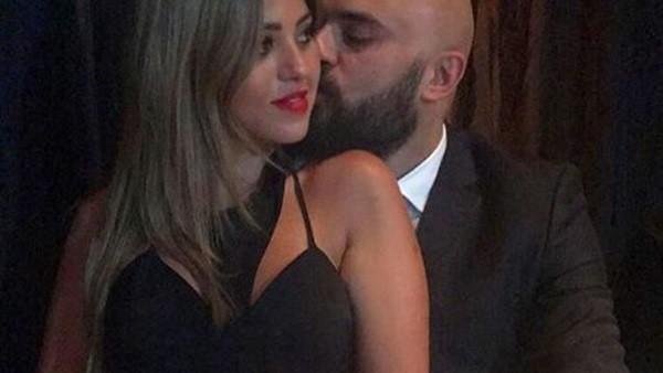 بعد قصة حبه لـ ياسمين صبري.. شاهد إطلالات زوجة أحمد صلاح حسني