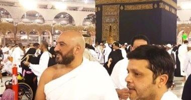 """هنيدى ومجدى الهوارى يؤديان العمرة بعد عرض """"3 أيام فى الساحل"""" بالسعودية"""