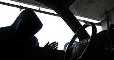 التحرى عن نشاط عاطل سقط متلبسا بسرقة سيارة فى الساحل