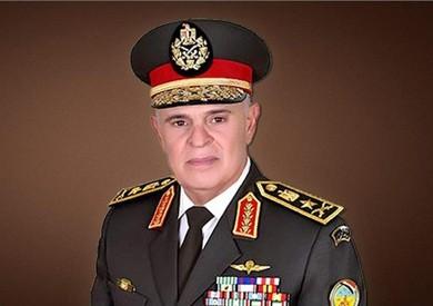 رئيس الأركان يعود إلى مصر بعد انتهاء زيارته للسودان
