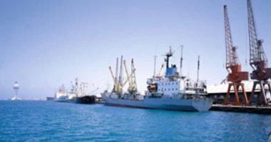 وصول و سفر 4329 راكب بموانىء البحر الأحمر و تداول 449 شاحنة