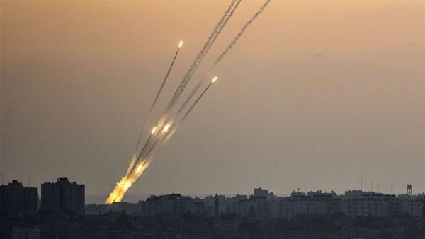 حرب جديدة على إسرائيل.. حماس تطلق صواريخ تجاه البحر