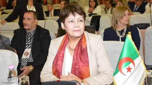 وزيرة التعليم الجزائرية تثير الجدل : الصلاة مكانها المنزل وليس المدرسة