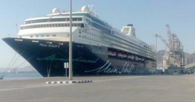وصول 832 راكبا لميناء نويبع وتداول 109 شاحنات