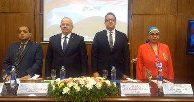 وزير الآثار ورئيس جامعة القاهرة يفتتحان المؤتمر الدولى الخامس بكلية الآثار