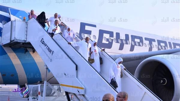 مصر للطيران تسير 6 رحلات من المدينة لنقل 1410 حجاج