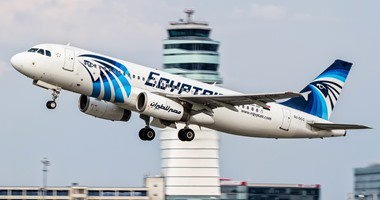 مصر للطيران تنفى وجود صعوبة لتوفير أماكن برحلاتها لنقل المشاركين باجتماع السياحة