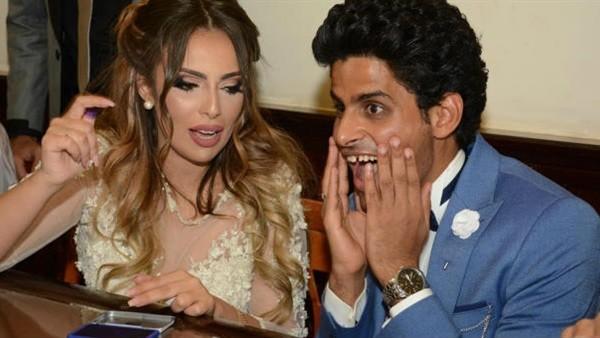 نجم مسرح مصر: لما قلت لزوجتي بحبك أغمى عليها.. فيديو
