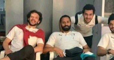 """شاهد.. """"غرز"""" محمود علاء بعد الإصابة أمام نيجيريا"""