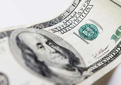 الدولار يدور حول 16 جنيهًا فى أغلب البنوك ويرتفع إلى 16.5 فى «الإمارات دبى»