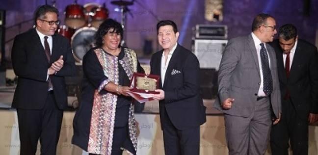 صور| وزيرة الثقافة تكرم هاني شاكر ومدحت صالح في افتتاح مهرجان القلعة