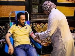 بعد تنصيبه أول سفير للصليب الأحمر.. نصير شمة يتبرع بالدم مع تلاميذه في بيت العود بالقاهرة