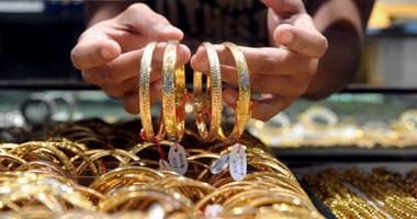 الذهب يتراجع 6 جنيهات وعيار 21 يسجل 630 جنيها للجرام