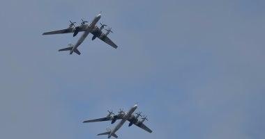 مقاتلتان أمريكيتان ترافقان قاذفات روسية فوق المحيط المتجمد الشمالى