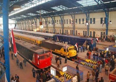 «النقل»: تعاقدنا على 100 جرار جديد للسكة الحديد بـ11 مليار جنيه