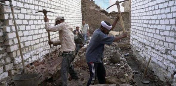 """""""مصر الخير"""" تنفذ مشروع """"سترة"""" بإعادة بناء 490 وحدة سكنية في المنيا"""