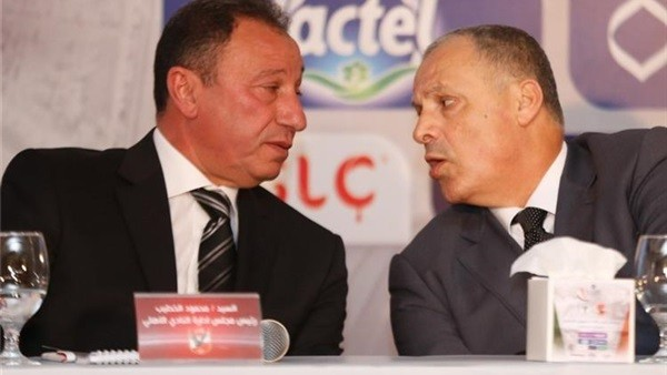 رئيس الأهلى يتمسك بموقفه.. تفاصيل جلسة رئيس اتحاد الكرة مع الخطيب