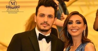 غزل وقبلة وشكر.. رومانسية المطربة أنغام وزوجها أحمد إبراهيم فى الموريكس