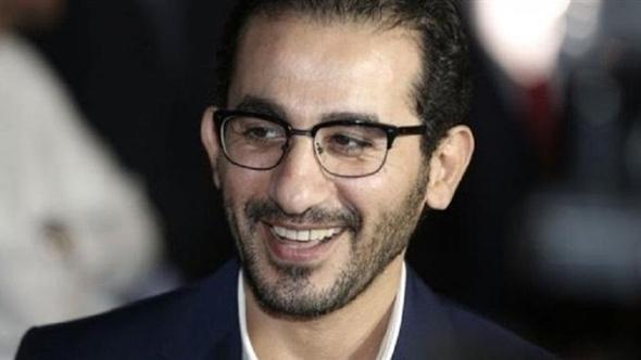 أحمد حلمي يهنئ عمرو يوسف وكندة علوش بالخطوبة.. صورة