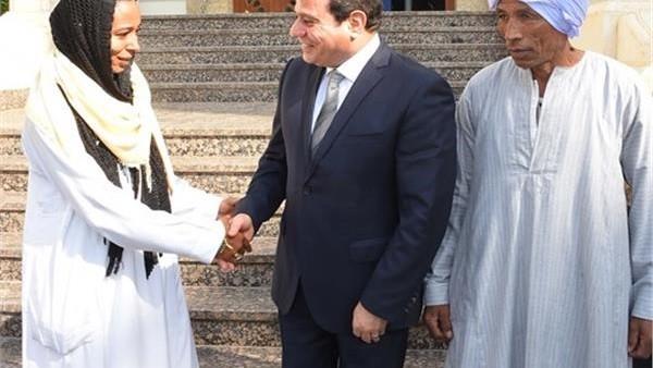 فتاة التروسيكل تكشف مفاجأة السيسي لها خلال اللقاء داخل الرئاسة