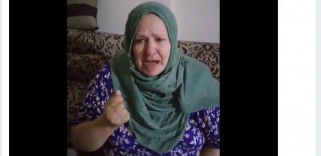 """إسكندرانية تستغيث لتضررها من مطعم سوري: """"مش عارفين نقعد في بيتنا"""""""