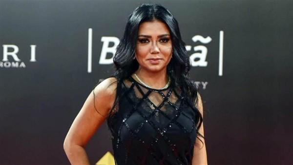 فستان من قطعتين.. رانيا يوسف تثير جدلا جديدا وهجوم ناري من الجمهور
