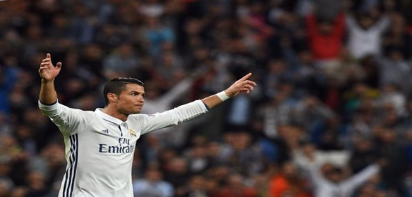 صحيفة: ريال مدريد يتقرب من تجديد عقد رونالدو حتى 2021
