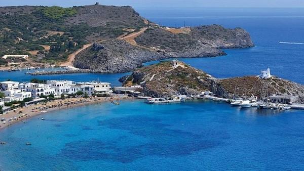 بمكافأة 450 جنيها إسترلينيا.. جزيرة يونانية ساحرة تبحث عن عائلات لتسكنها