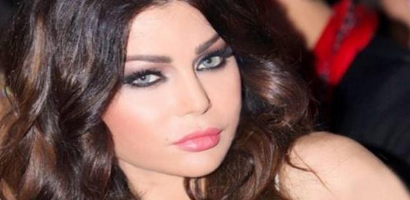 """مذيع عن زواج هيفاء من مليونير عربي: """"إديني رمضان"""""""