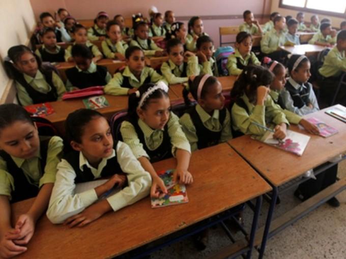 «اتحاد أمهات مصر» يعد استبيانا لحصر مشاكل المدارس وعرضها على المسئولين