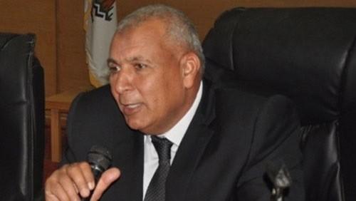 محافظ الوادي الجديد يوجه بتكثيف حملات التوعية للمشاركة في الانتخابات