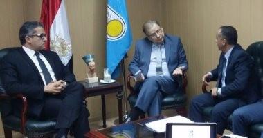 وزير الآثار يلتقى سفير روسيا لبحث التعاون